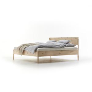 Bett Alwy mit Holzbetthaupt in Zirbe